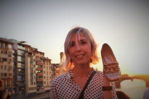 mocassini-con-fibbia, scarpe-argentate, firenze, ponte-vecchio