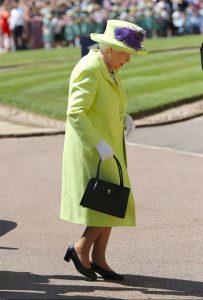Le-scarpe-della-regina-Elisabetta-8