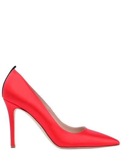 Le-scarpe-rosse-di-Victoria-Beckham-al-Royal-Wedding.jpg Wedding-3