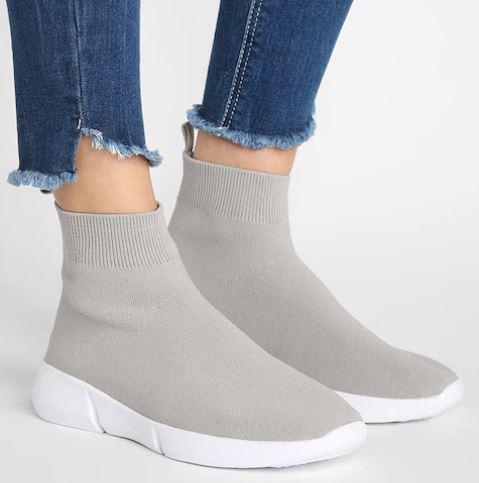 Acquistare-scarpe-con-i-saldi-2019-0