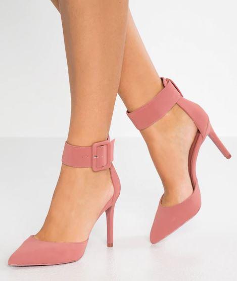 Acquistare-scarpe-con-i-saldi-2019-7
