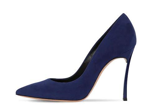 Classic-Blue-colore-Pantone-2020-Casadei-1