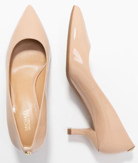Che-scarpe-mettere-per-un-colloquio-di-lavoro-3