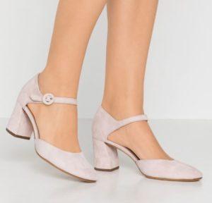 Che-scarpe-mettere-per-un-colloquio-di-lavoro