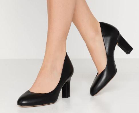 Che-scarpe-mettere-per-un-colloquio-di-lavoro-4