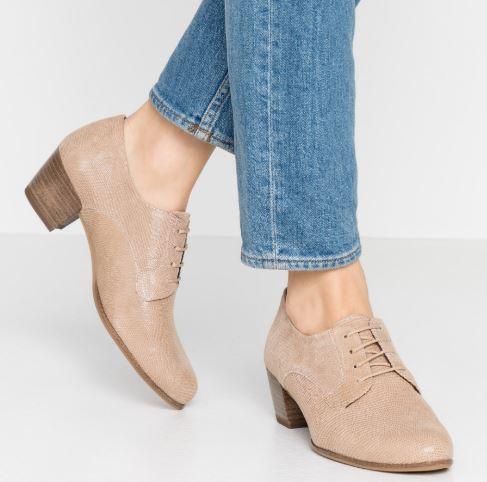 Che-scarpe-mettere-per-un-colloquio-di-lavoro-5