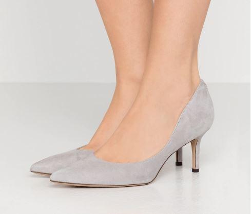 Che-scarpe-mettere-per-un-colloquio-di-lavoro-7