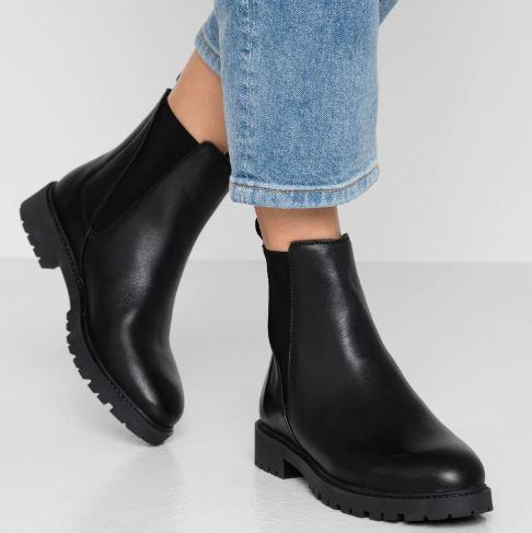Che-scarpe-mettere-per-un-colloquio-di-lavoro-8