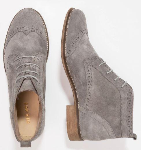 Che-scarpe-mettere-per-un-colloquio-di-lavoro-9
